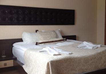 Хотелска част към комплекс Камелот 1