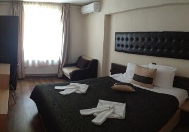 Хотелска част към комплекс Камелот 6