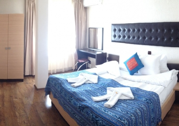 Хотелска част към комплекс Камелот 4