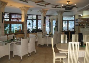 Ресторант към комплекс Камелот 13