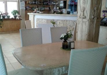 Ресторант към комплекс Камелот 6